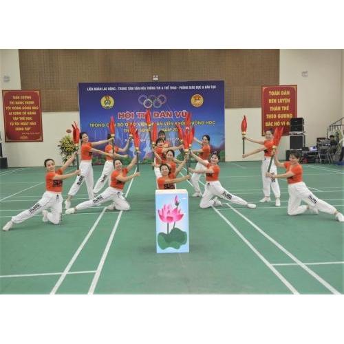 Hội thi Dân vũ trong Cán bộ giáo viên, nhân viên khối trường học thị xã Sơn Tây năm 2021